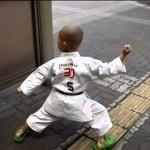 Cậu bé 8 tuổi trình diễn màn kungfu Thiếu Lâm không thể tin